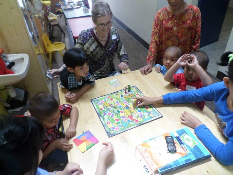 Learning and Playing with Cancer Patients